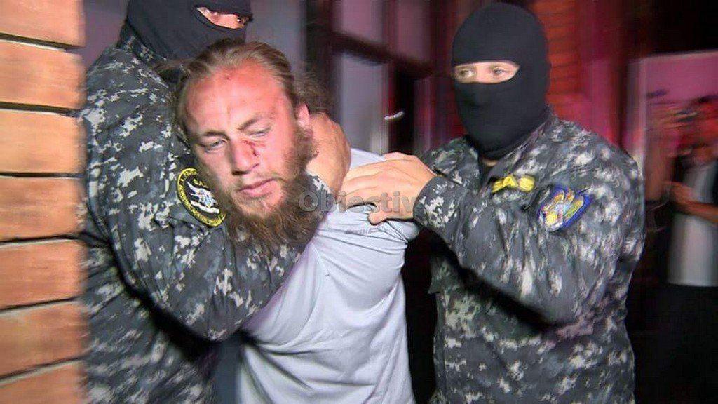 """EXCLUSIV/ Mărturii cutremurătoare ale asasinului care l-a hăcuit pe polițist în gara din Suceava: """"Urăsc polițiștii!"""" / GALERIE FOTO"""