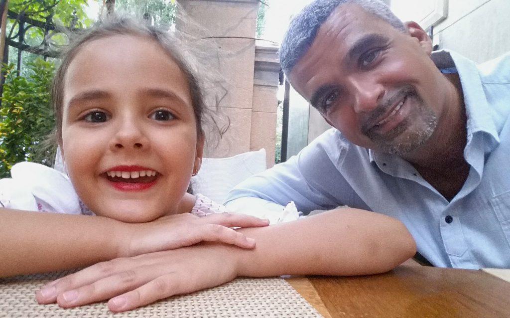Aurelian Temișan, familist convins. În ce ipostaze a fost fotografiat alături de soția sa și fiica lor