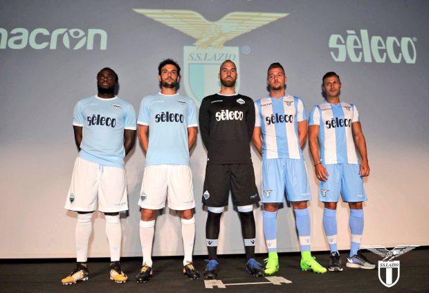 Jucătorii de la Lazio în noile tricouri