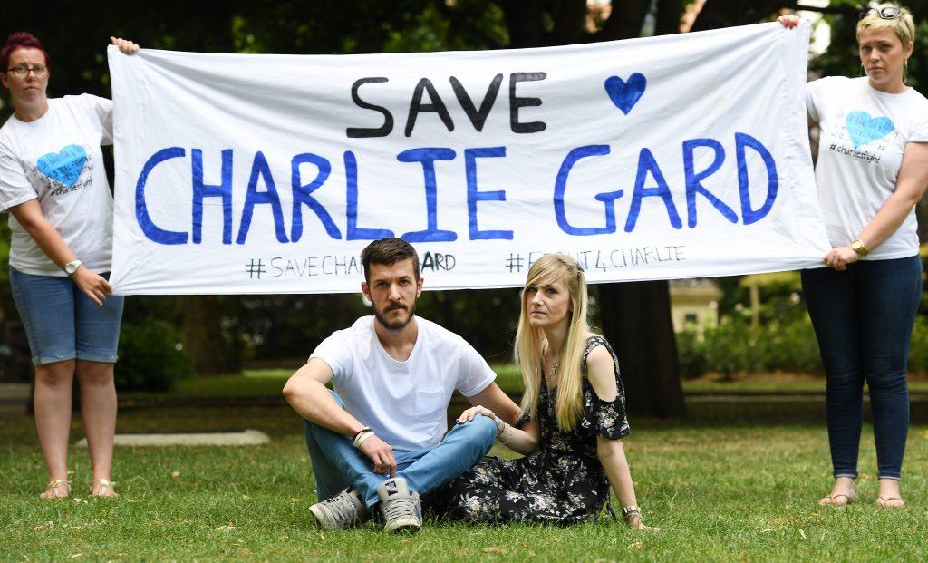Bebelușul Charlie Gard a murit. Povestea micuțului