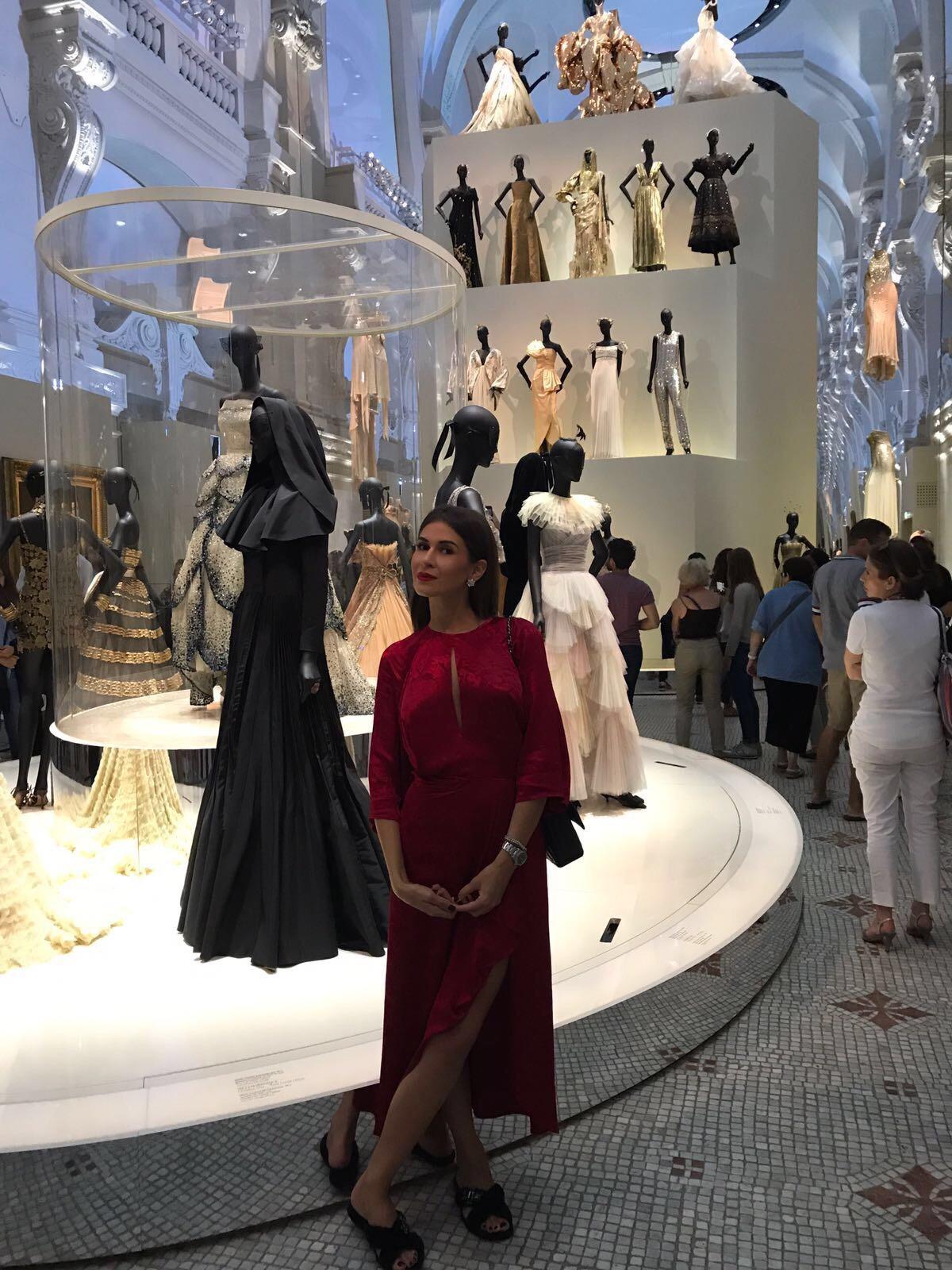 """VIDEO EXCLUSIV/ Cristina Dorobanțu a avut parte de șocul vieții ei la Paris. """"La expoziția casei Dior, mi s-a facut rău!"""""""