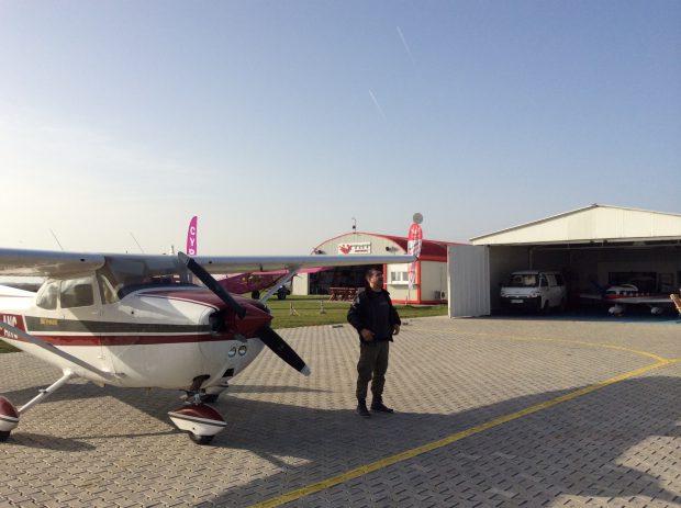Mihai Margineanu cu avionul lui Cessna