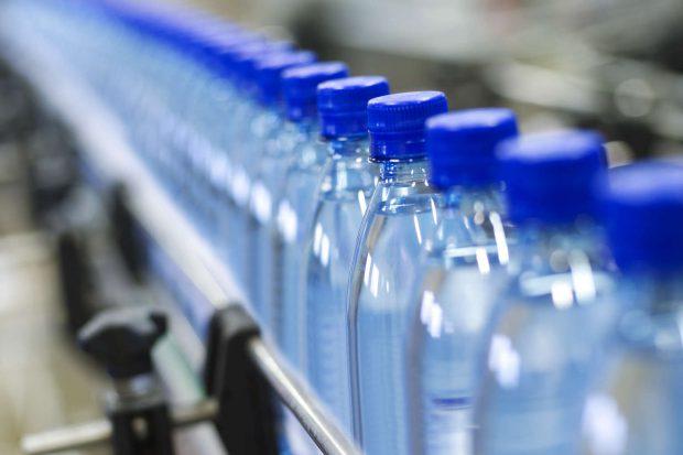 """Legea apelor minerale se modifică din motive de sănătate publică: """"Apa de consum îmbolnăvește populația"""""""