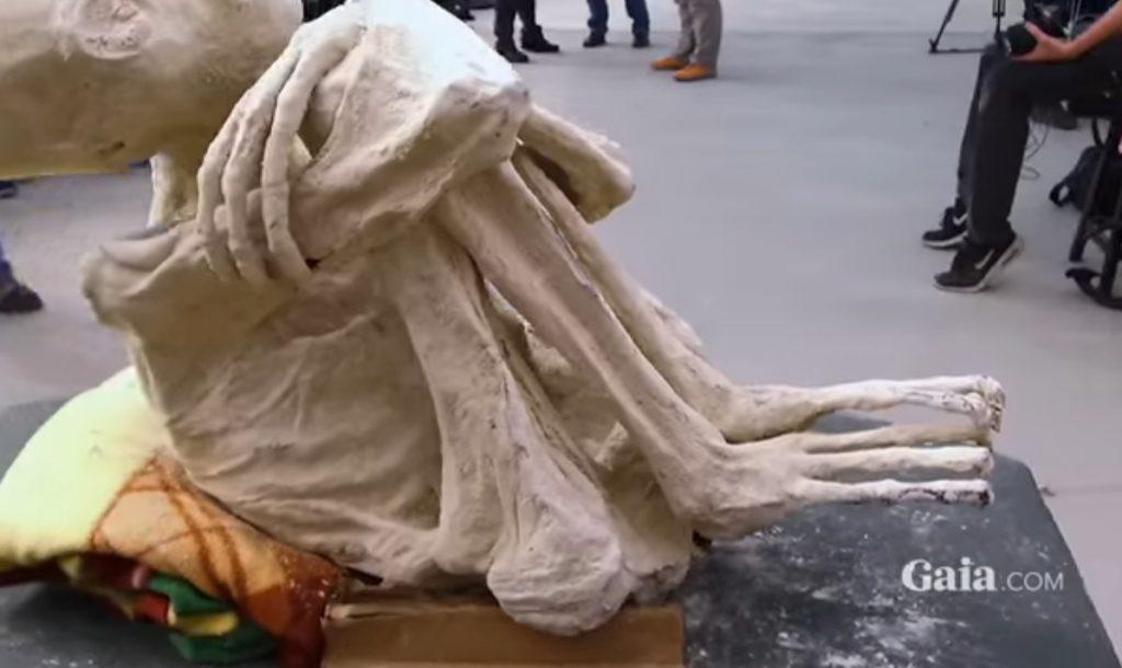 Extratereștri mumificați ar fi fost descoperiți într-un mormânt din Peru
