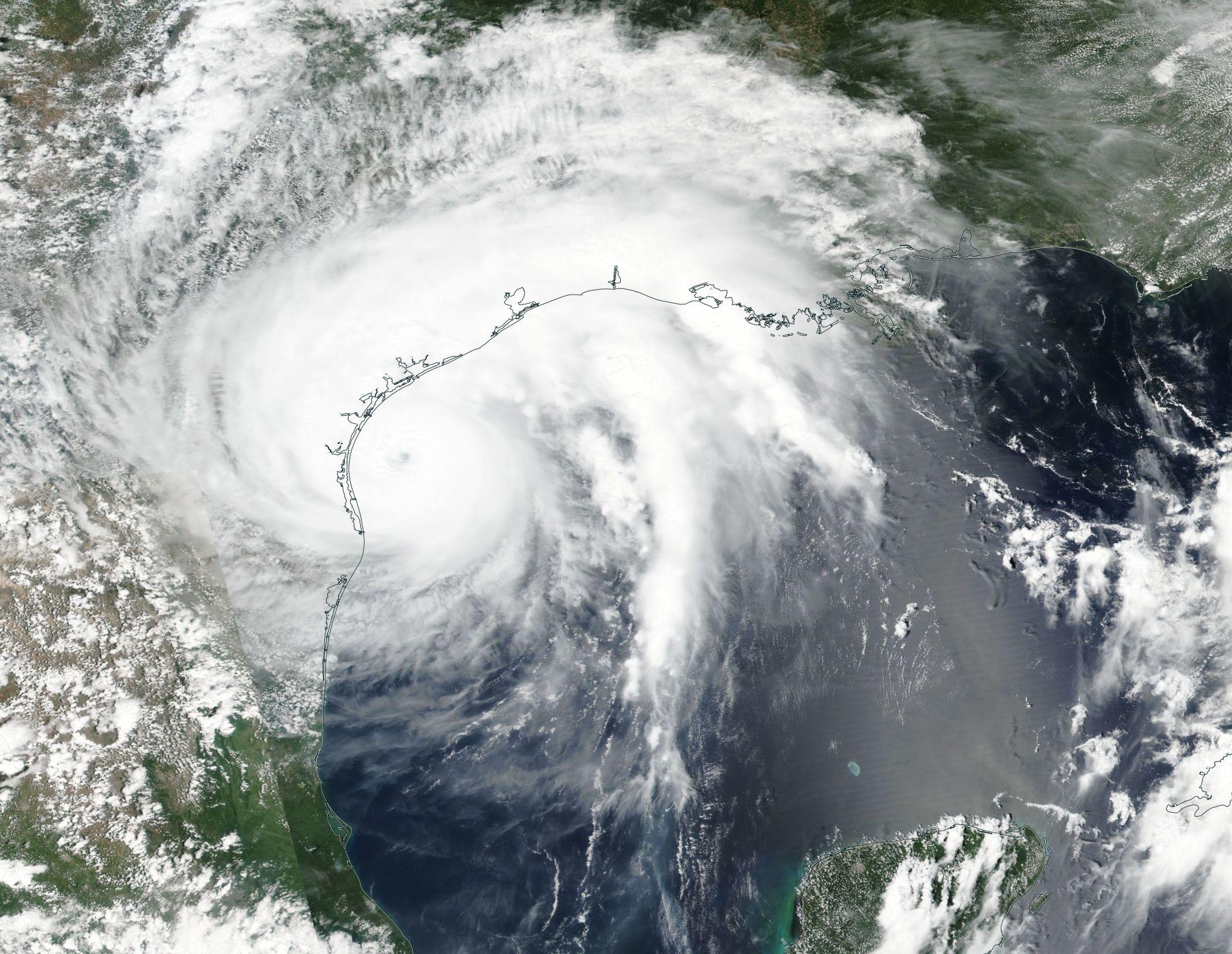 Uraganul Harvey lovește puternic statul american Texas. Rafalele de vânt au depășit 200 de km/h