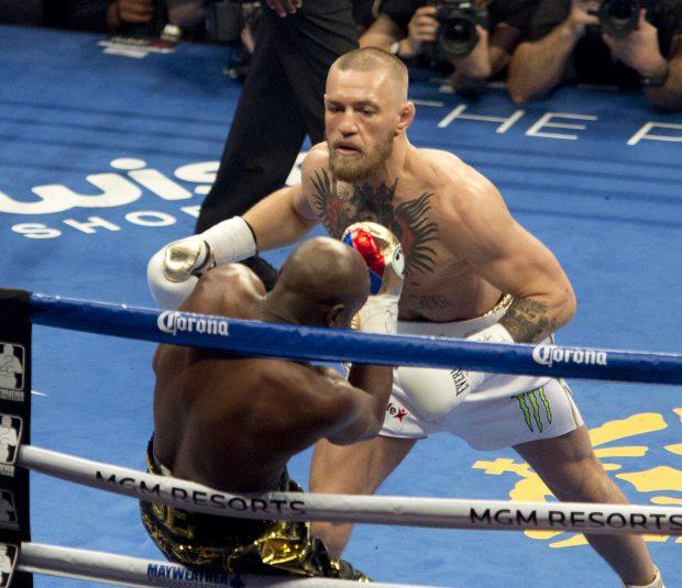 Totul despre meciul secolului, Mayweather vs McGregor. Lupta care a produs peste 1.000.000.000 $, o frecție ! Irlandezul a fost făcut KO în repriza a zecea. Floyd l-a menajat cât a putut! | LIVE&FOTO&VIDEO