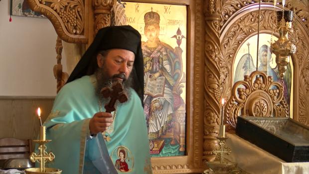 Benedict Mihalcea, starețul Mănăstirii Sf. Fanurie, în Casa Domnului care a fost cândva sală de ședințe ideologice