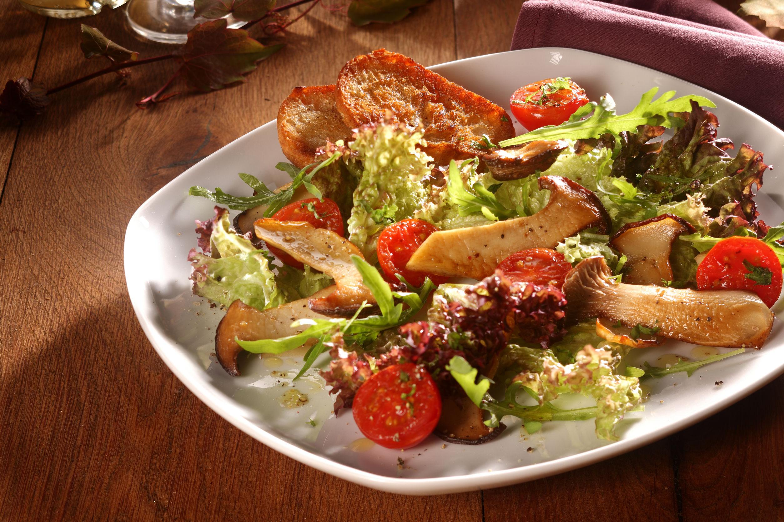 salată cu bureți