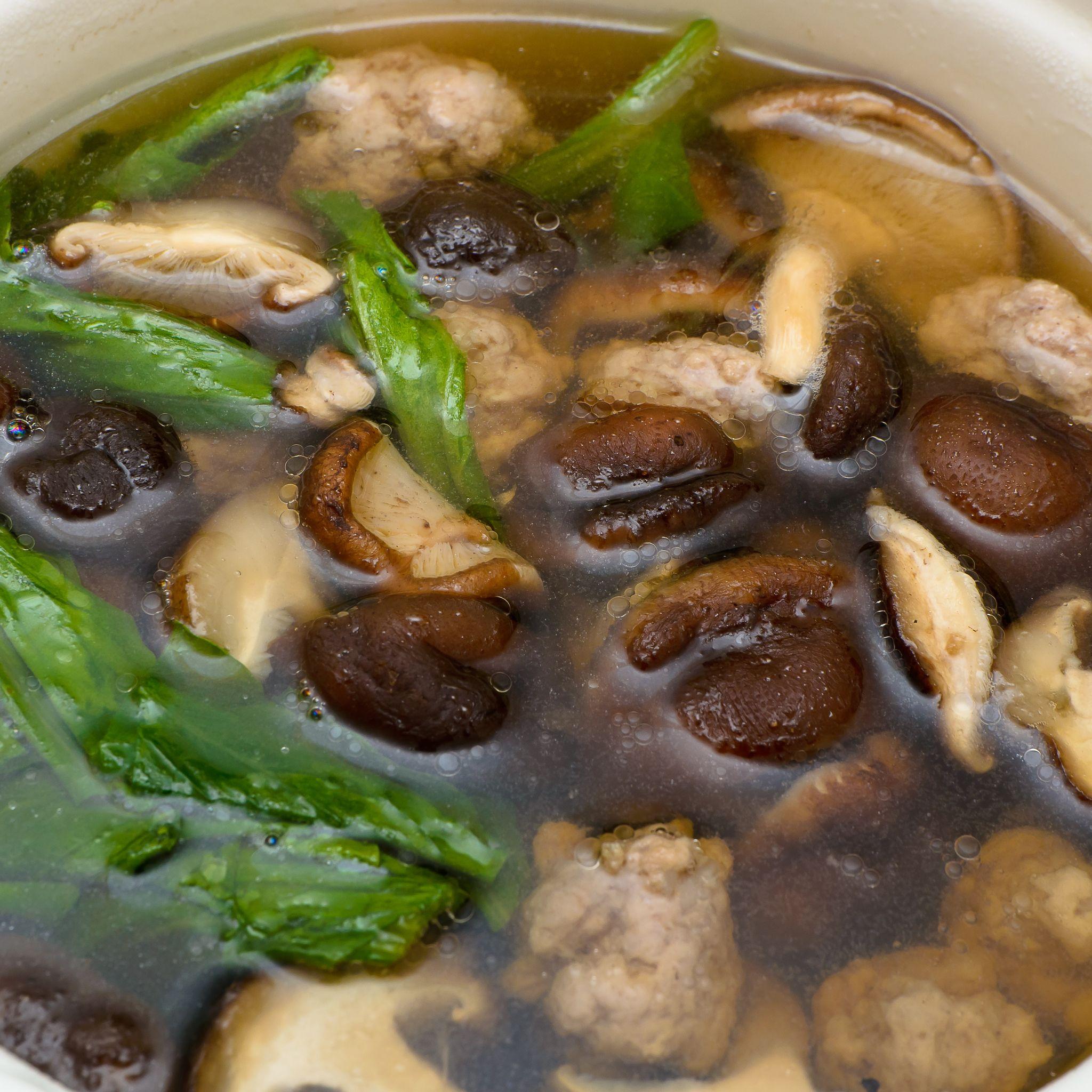 supă chinezească cu shiitake