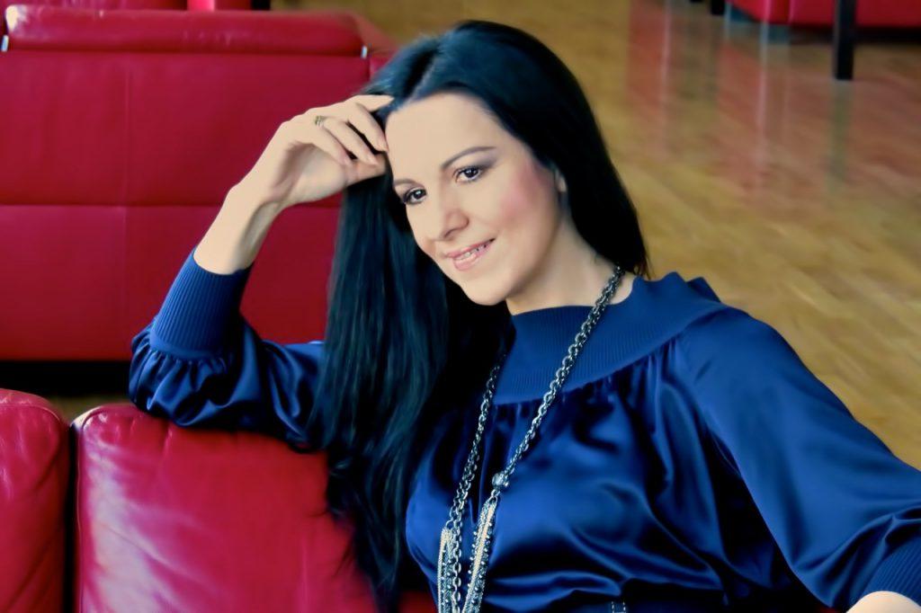 VIDEO EXCLUSIV | Vlad Miriță a făcut afaceri cu colegii de breaslă. Le-a pus termopane Anastasiei Lazariuc și Angelei Gheorghiu