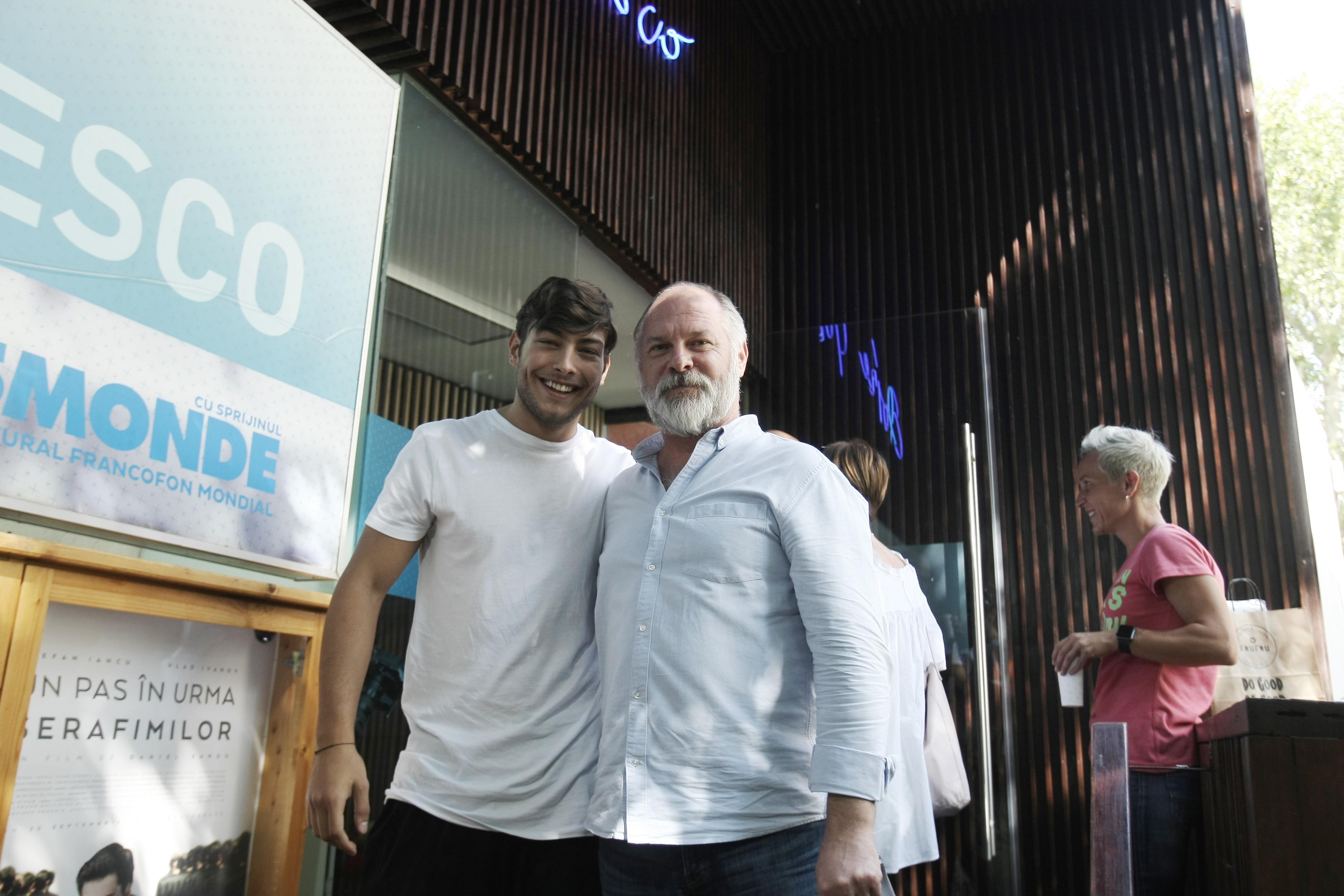 """VIDEO EXCLUSIV/ Ilie Dumitrescu Jr., la primul lui rol într-un lungmetraj. """"Tata a înțeles că nu vreau să joc fotbal și m-a susținut să devin actor!"""""""