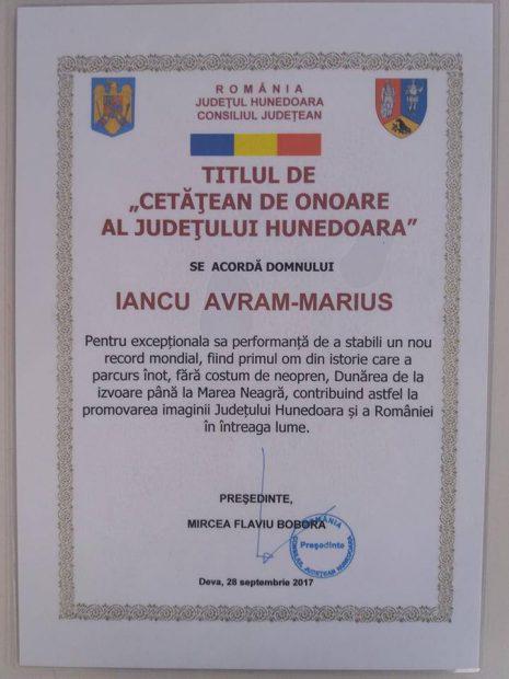 """Avram Iancu a primit titlul de """"cetățean de onoare"""" al județului Hunedoara, după ce a parcurs Dunărea înot. CJ Hunedoara a uitat să-l invite la ceremonie"""