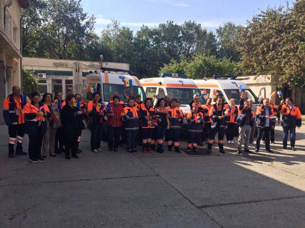 VIDEO/FOTO  Proteste ale ambulanțierilor, nemulțumiți de lipsa de reacție a Guvernului în privința salariilor