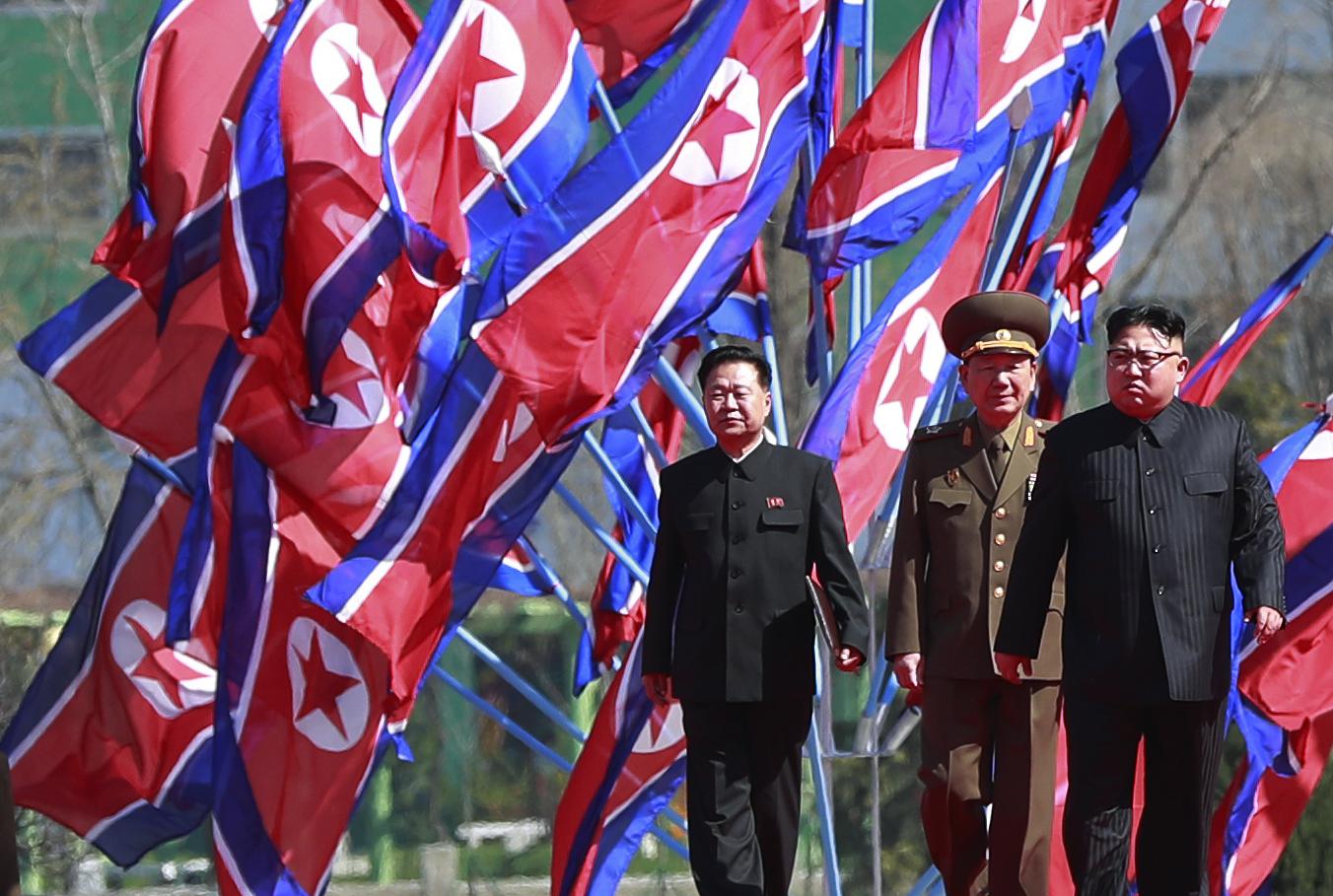 ANALIZĂ   Care sunt principalele surse de venit ale Coreei de Nord. Cum își permite țara comunistă continuarea programelor balistic și nuclear