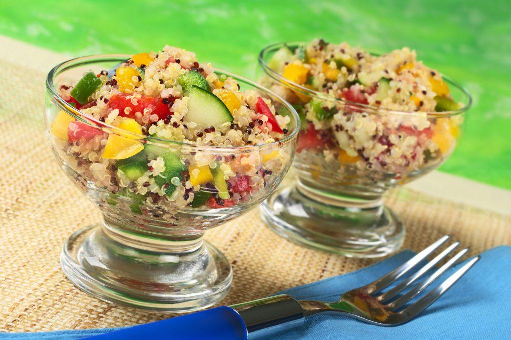 quinoa si avocado