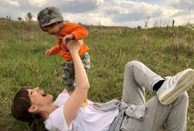 Adela Popescu si fiul ei Alexandru