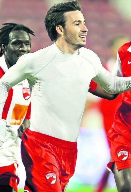 Cine este cel mai dotat fotbalist din România. Topul dimensiunilor demne de stadion