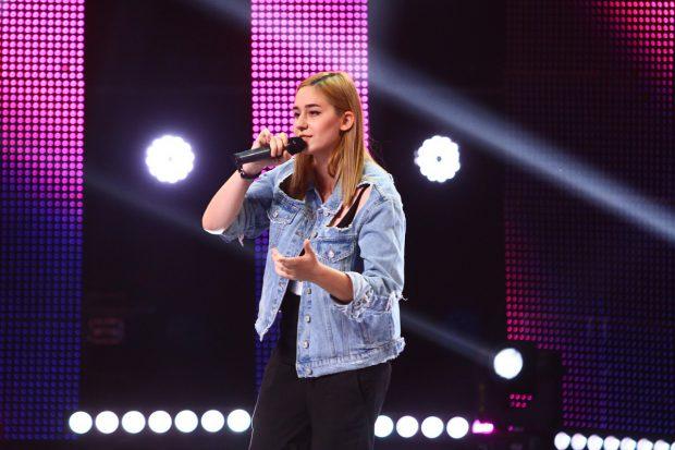 O fostă campioană națională la înot vine la X Factor. Povestea emoționantă de viață