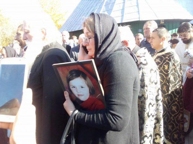 Preotul Petru Gavril a fost înmormântat împreună cu fetița lui