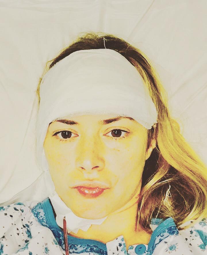 Kitty Cepraga, operată de urgență la cap. Primele imagini cu vedeta după intervenția chirurgicală