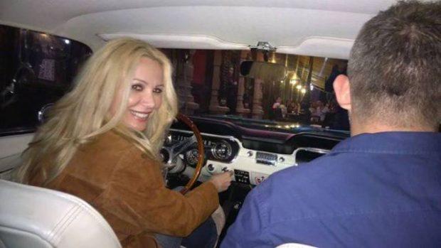 """VIDEO EXCLUSIV / Ce face Dana Săvuică când e oprită de poliție: """"Nu vedeți că sunt blondă?"""""""