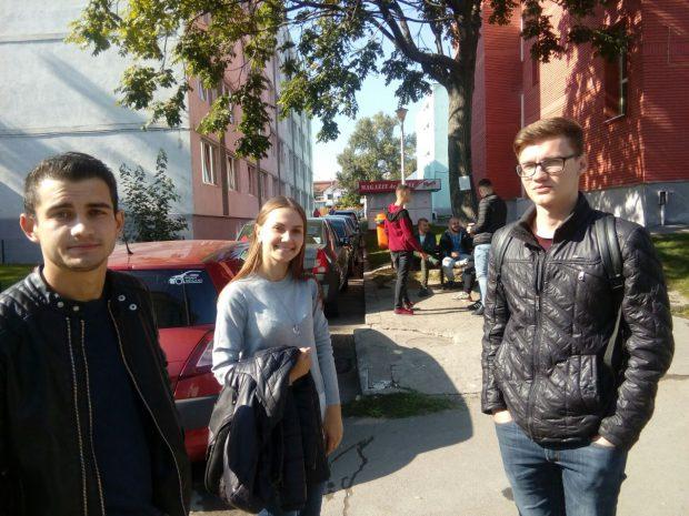 REPORTAJ: Tinerii din R. Moldova veniţi la facultate la Galaţi au gânduri mari pentru viitor în timp ce se acomodează cu viaţa de student din cămin