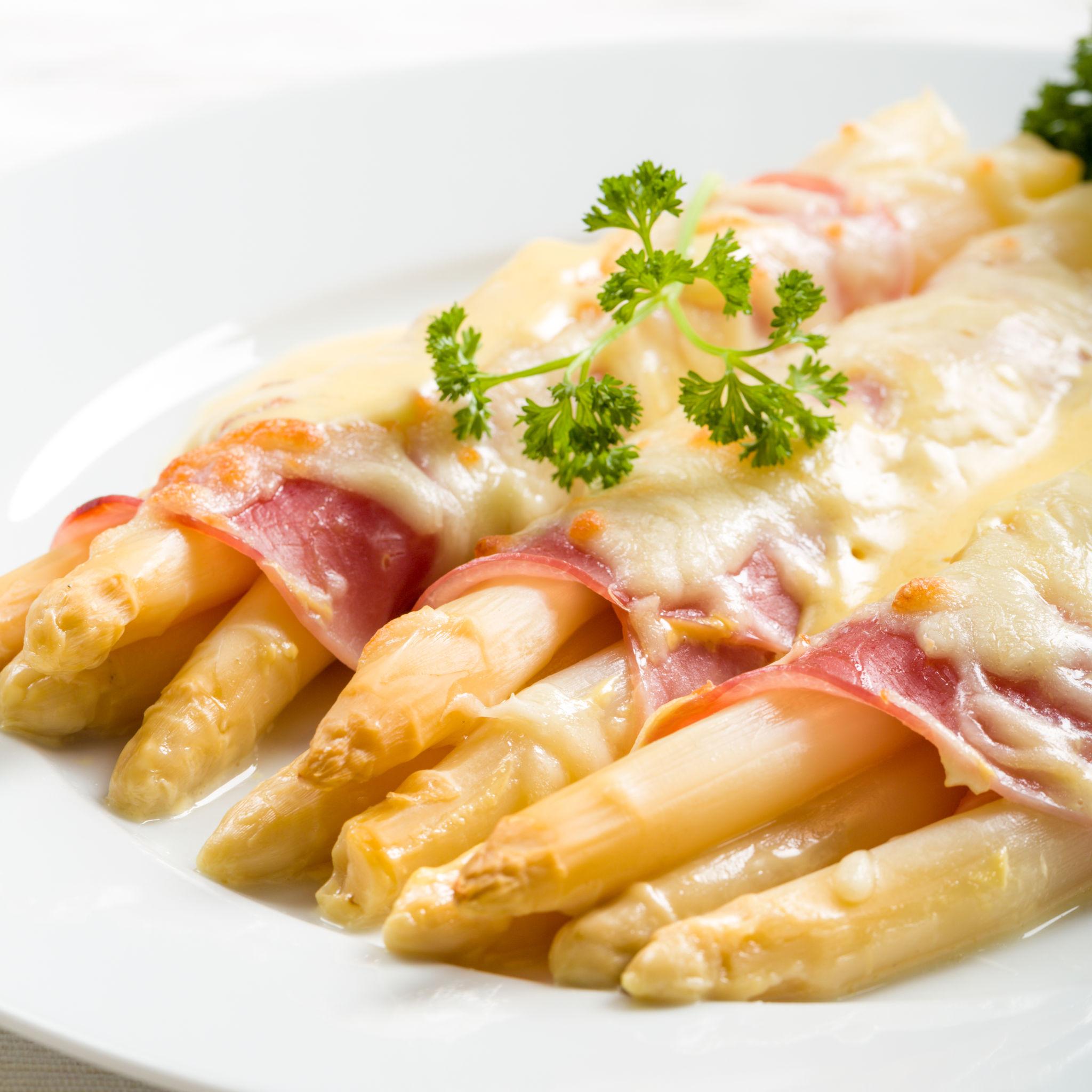 sparanghel cu pancetta