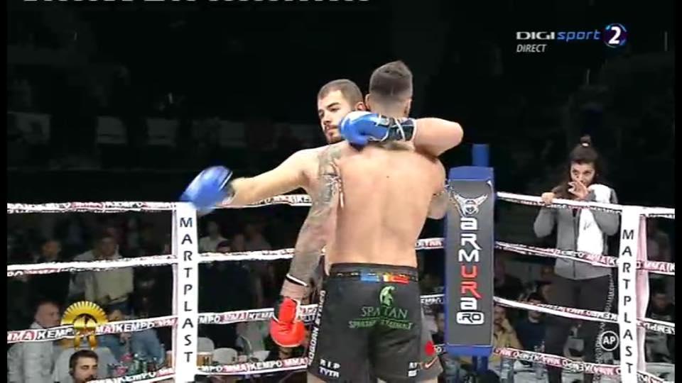 Adversarul luptătorului Bogdan Stoica, în doliu. Tatăl său a murit înainte de a intra în ring la o gală