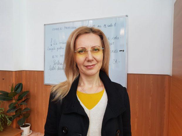 EXCLUSIV: Ce spun despre Marcela Topor un fost profesor și o fostă colegă a Primei Doamne a Cataloniei