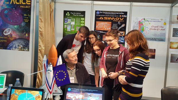 VIDEO. Profesorul Băraru face din elevi campioni la NASA. Au ajuns la Harvard și Cambridge