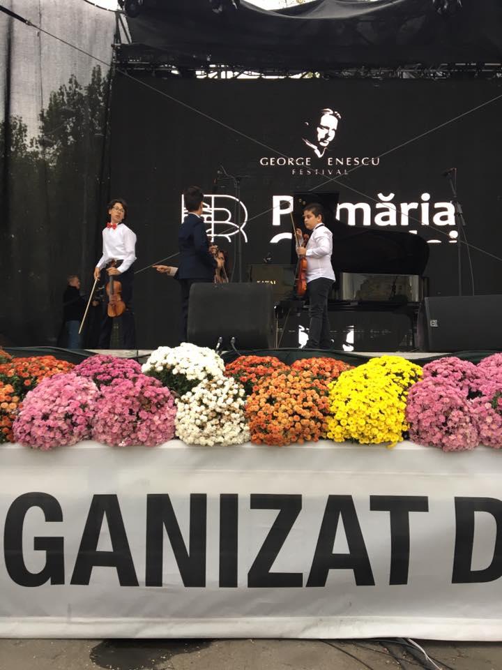 VIDEO/ Odrasla de manelist e mare violonist! Fiul lui Liviu Guță a luat locul I la un important concurs de la Filarmonica Sibiu
