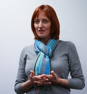 Angela Galeța, director fundația Vodafone România care a ajutat la modernizarea secției de terapie intensivă pentru nou-născuți de la spitalul Marie Curie din București