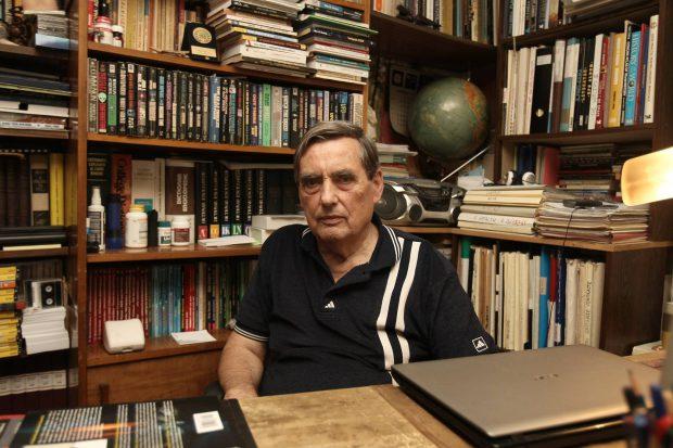 """VIDEO/ """"Sămn mare s-au arătat pe ceriu"""". Apariția unui OZN în România a fost consemnată în """"Letopisețul Țării Moldovei"""" scris de Grigore Ureche"""