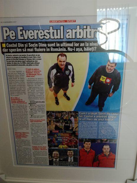 FOTO&VIDEO/ I wonder le-a făcut o surpriză imensă lui Constantin Din și Sorin Dinu, cei mai cunoscuți arbitri de handbal din România. Își serbează zilele de naștere, iar celebra brigadă se retrage din activitatea internațională