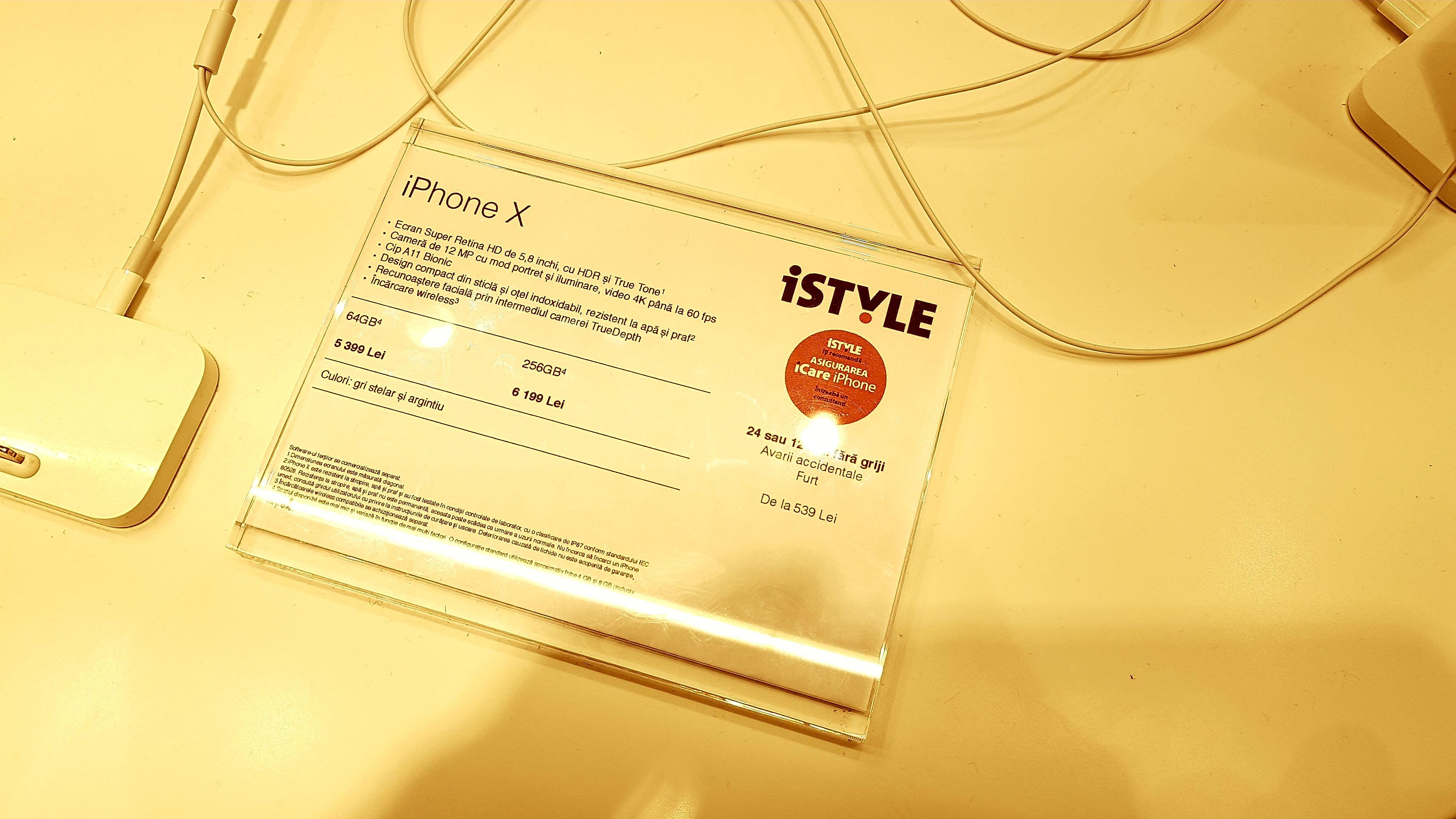 iPhone X costă 6.199 de lei în România. Smartphone-ul a fost lansat vineri la nivel mondial
