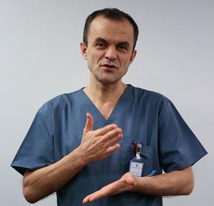 Secția de terapie intensivă pentru nou-născuți de la spitalul Marie Curie din București este condusă de medicul Cătălin Cîrstoveanu