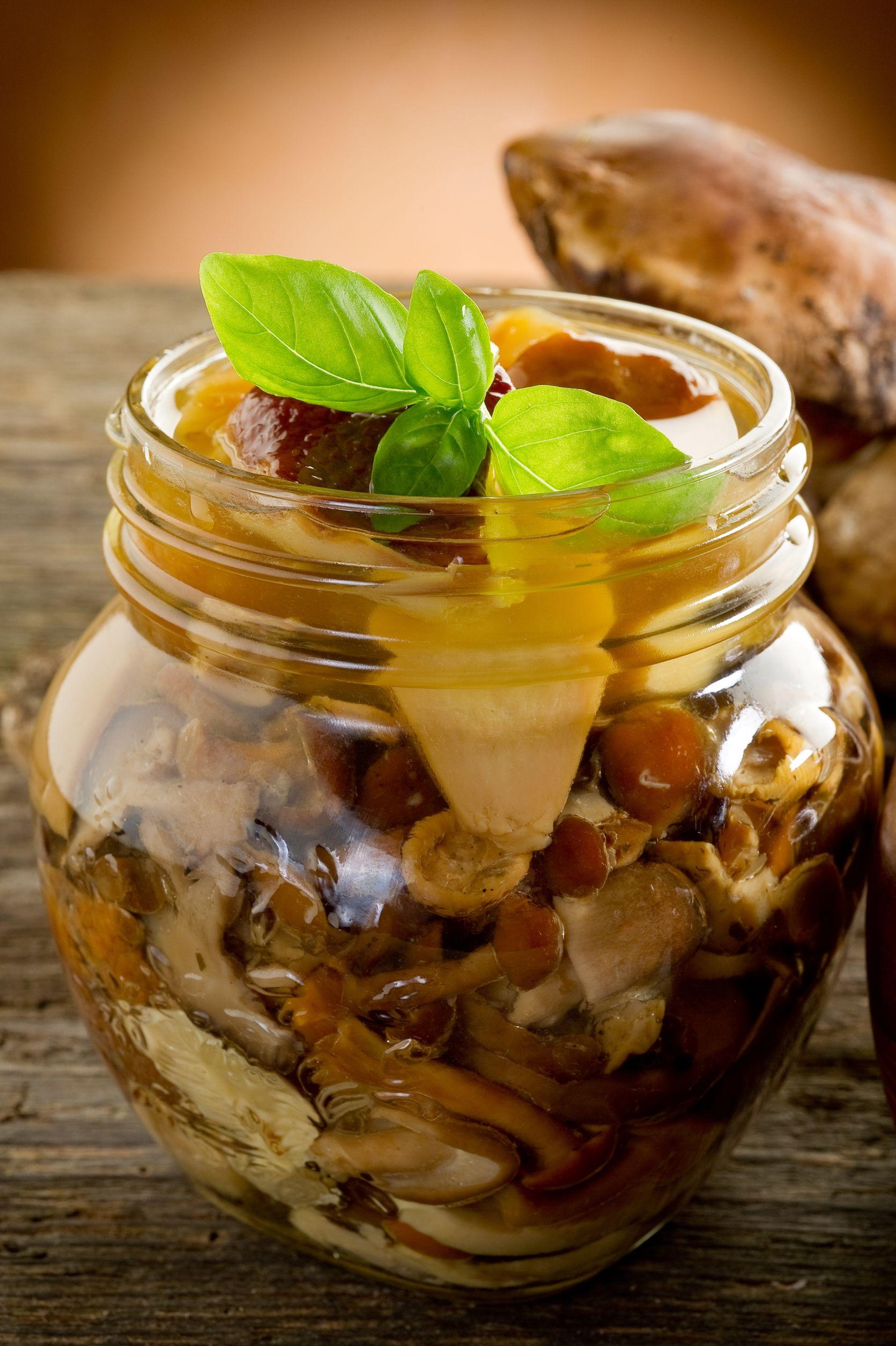 paste cu ciuperci marinate