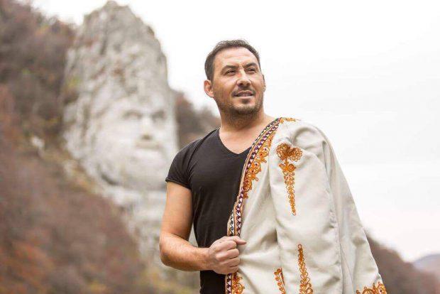 """EXCLUSIV / Ștefan Stan a lansat un cântec patriotic. """"Am vrut mereu să cânt despre țara mea"""""""