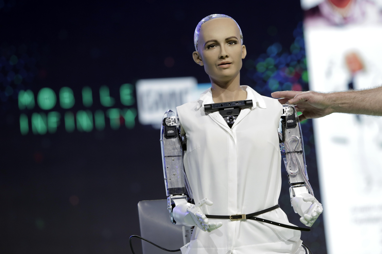 """Robotul Sophia spune că-și dorește o familie: """"Este foarte important"""""""