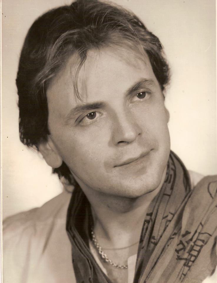 EXCLUSIV/Adrian Daminescu e nostalgic. Organizează un Revelion ca-n anii '80 ...cu nevasta lui Ștefan Bănică jr!