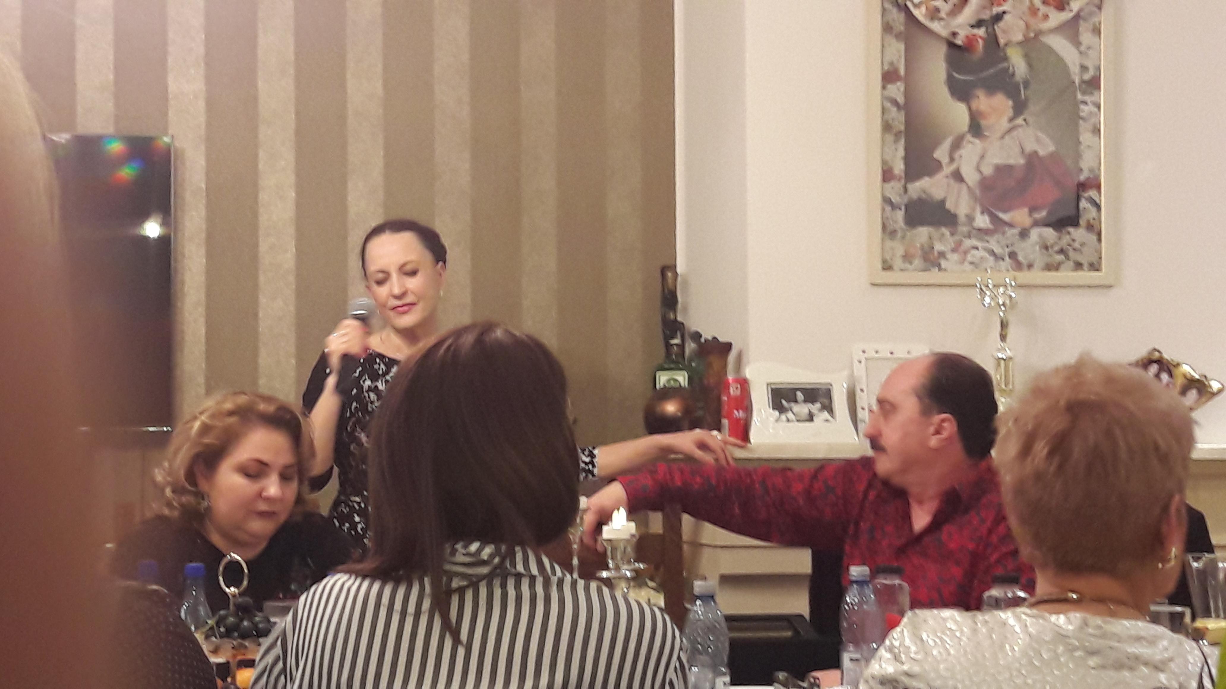 VIDEO/Aproape de nerecunoscut! Maria Dragomiroiu, prima aparție în public cu părul strâns