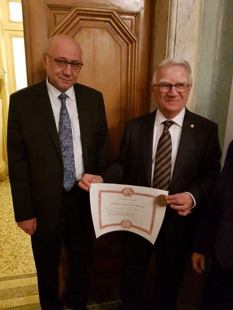 Eveniment memorabil pentru medicina românescă. Doi români au fost acceptați în Academia Franceză de Medicină / FOTO