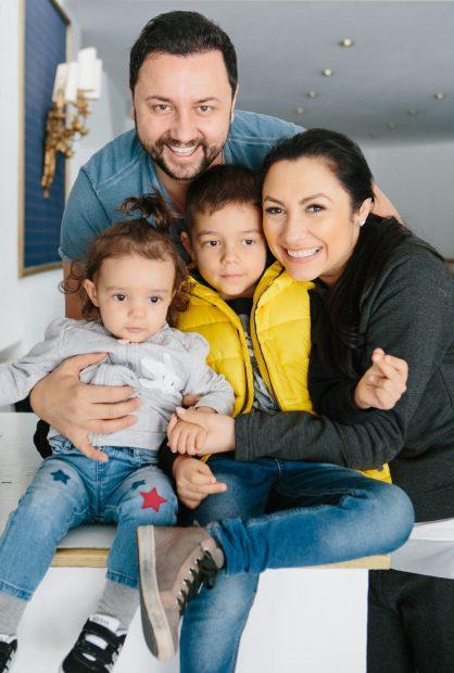 Andra, Catalin Maruta si copiii