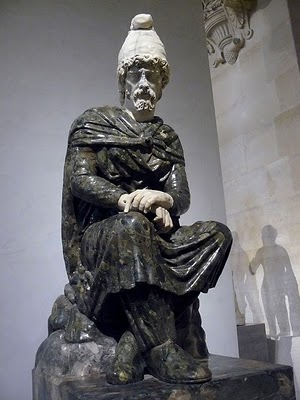 VIDEO/Misterul din Roma lui Traian: Statui monumentale de daci au fost realizate din marmură destinată exclusiv împăraților și zeilor