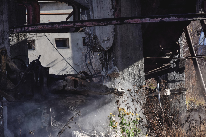 Clădirile de suprafață ale minei sunt demolate
