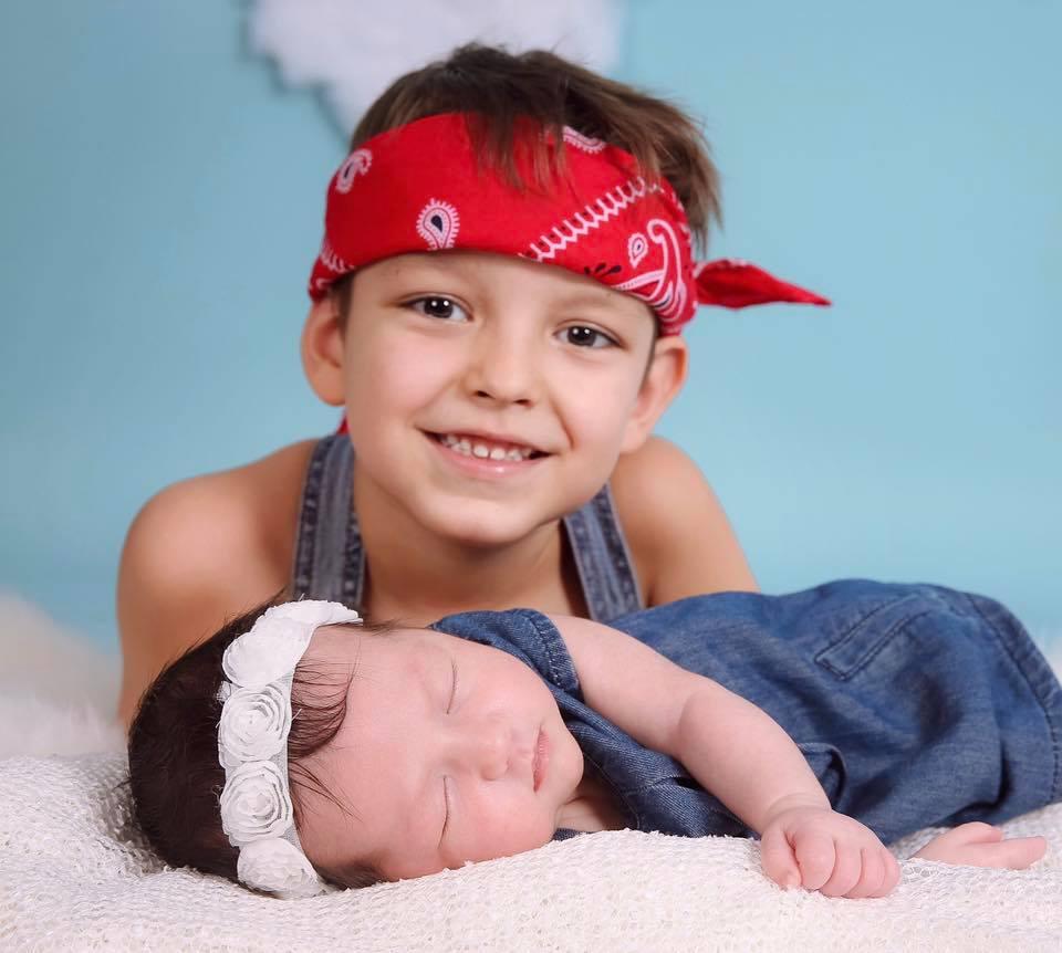 Elena Gheorghe își aniversează fiul. Cea mai emoționantă imagine cu băiețelul și surioara lui