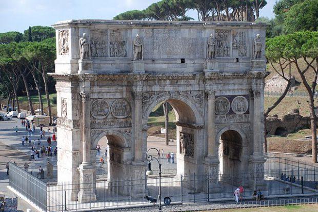 Când statuile spun povești. Dacii sculptați de romani erau uriași și din marmură de bună calitate