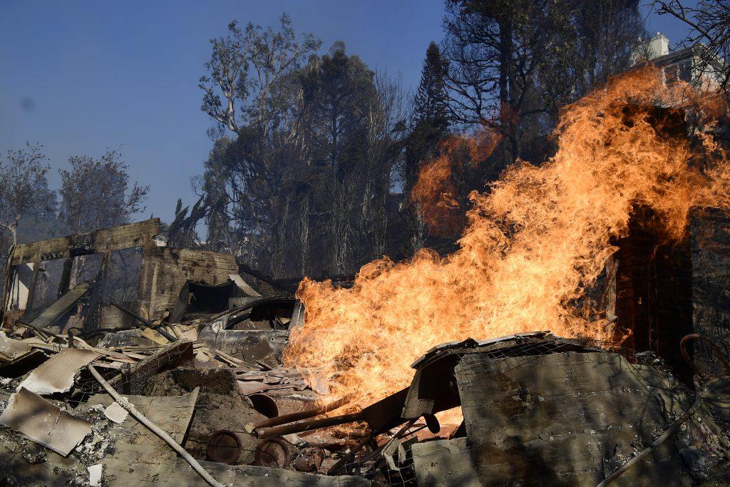 Incendii devastatoare în California de Sud