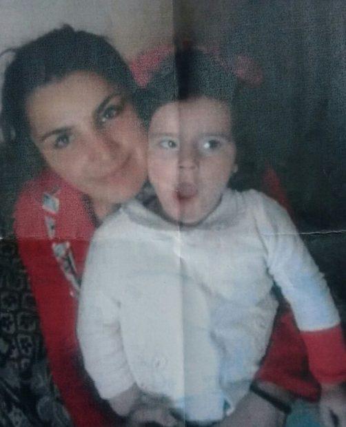 O mamă și fiica ei de doi ani au dispărut de cinci zile. Apropiații vorbesc de neînțelegeri mai vechi dintre femeie și concubinul părăsit al acesteia