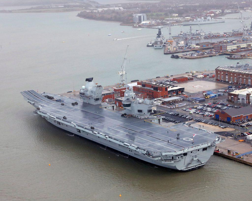 Regina Marii Britanii a inaugurat cea mai mare navă militară